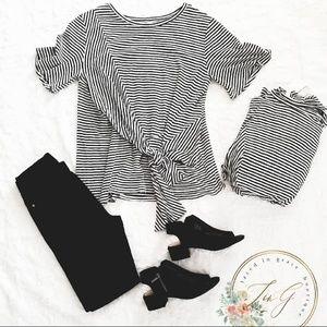 💖🦓Beautiful Black & White Blouse🦓💖